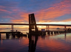 Sunrise Roosevelt Bridge draw bridge, by John Whiticar, 2014.