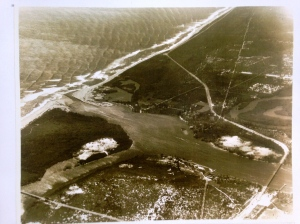 Jupiter Inlet, March 18, 1936. Photo by Ruhnke or Sterling Hawk, 1936. Courtesy, archives of Sandra Thurlow.)