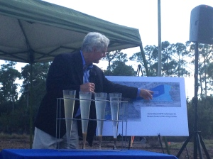 Tom Debusk of Watershed Technologies explains the project. (Photo JTL)