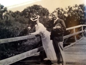 Mr and Mrs Harmer, 1907. (Parlin, Thurlow Archives)