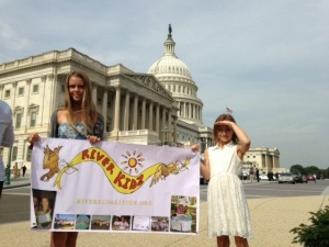 River Kidz Naia and Kiele Mader in front of the White House, 2013.)