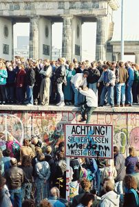 Berlin Wall1990. (Photo public domain.)