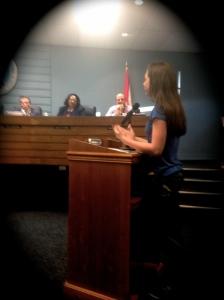 River Kidz member Hannah Angelo Walker speaks before the Stuart City Commission, 2015. (Photo JTL)