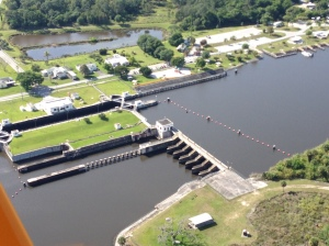 S-80 (Structure 80) along the C-44 canal in Martin County sits still. The ACOE has temporarily stopped the flow from Lake Okeechobee for bacteria testing by MC. (Photo Ed Lippisch, piloted by Scott Kuhns, 4-1-15)