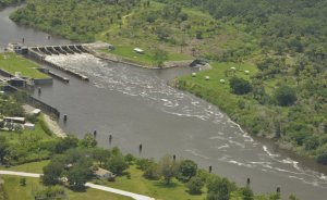 S-80 at St Lucie Locks and Dam, photo by Dr Scott Kunhs, 2013.