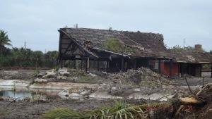 Tiki hut in ruins 2016. (Rebecca Fatainger.)