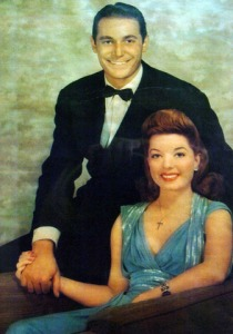 Frances Langford poses here with her first husband, Jon Hall.