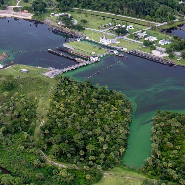 "stuart slime tour st lucie lock wide aerial 1000 8842 In: John Moran's ""Florida's Summer of Slime: Stuart and Lake Okeechobee"" | Our Santa Fe River, Inc. (OSFR) | Protecting the Santa Fe River in North Florida"